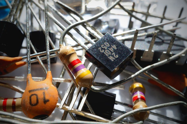 capacitor-1835729_640