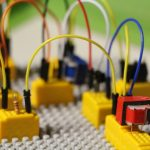 play-signal-yellow-toy-education-lego-725946-pxhere.com