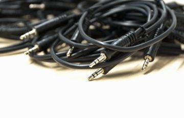 technology-chain-headphone-cable-wire-equipment-1233758-pxhere.com