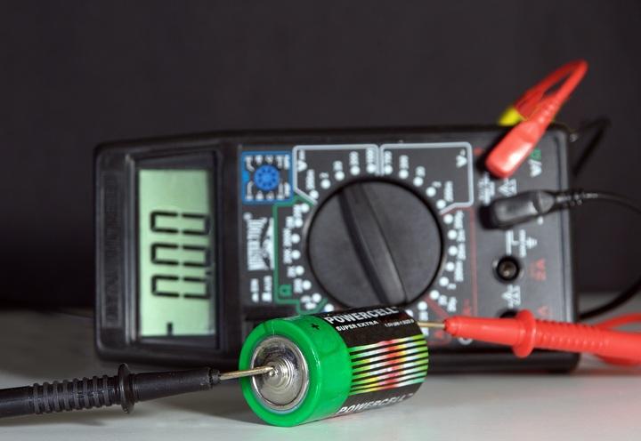 green-machine-empty-gauge-black-tachometer-592413-pxhere.com